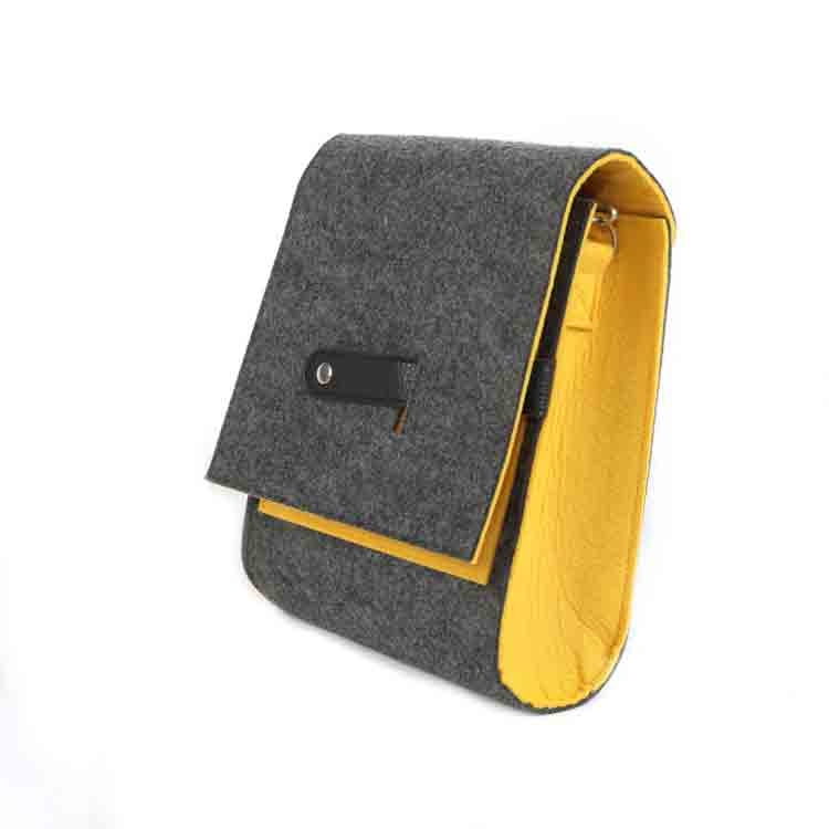 felt messenger bag 2