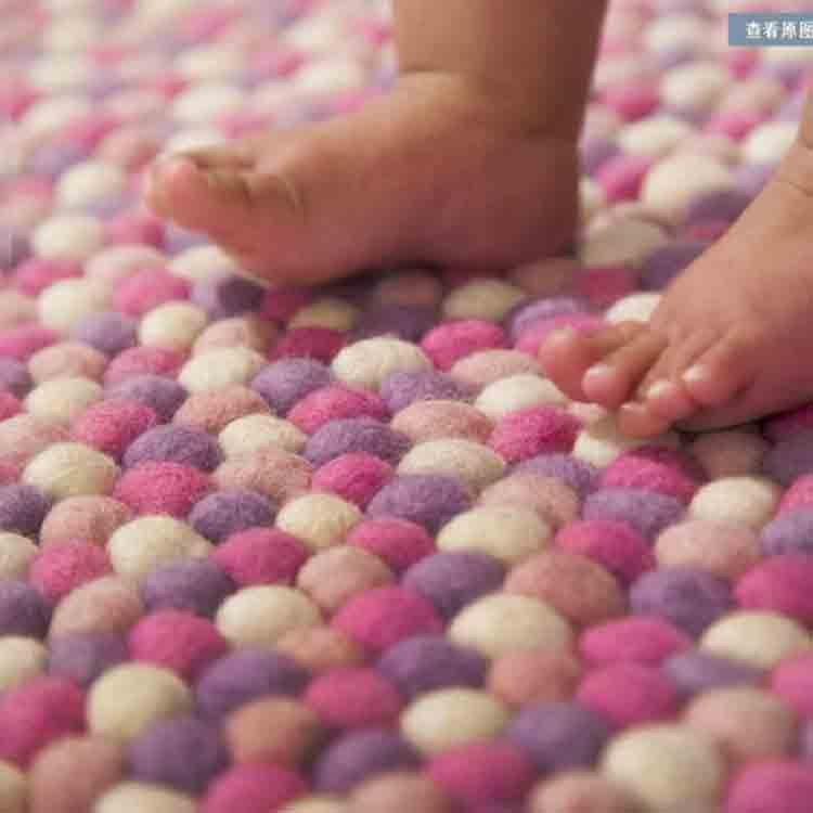 felt ball rug diy 2