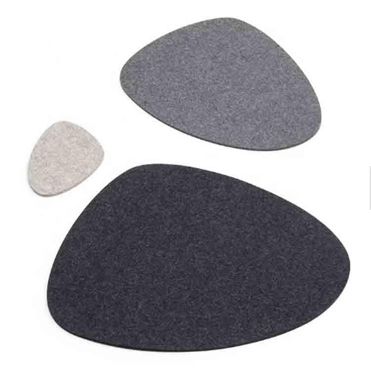 grey felt placemats 1