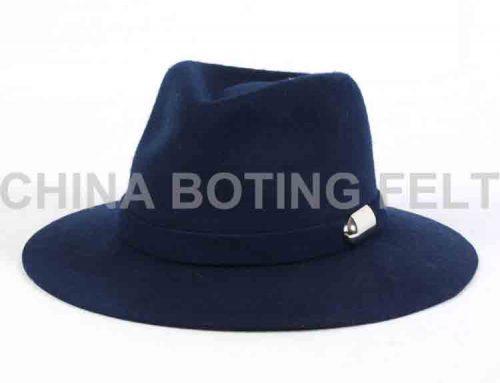 kovbojský klobúk s otvorenou korunou