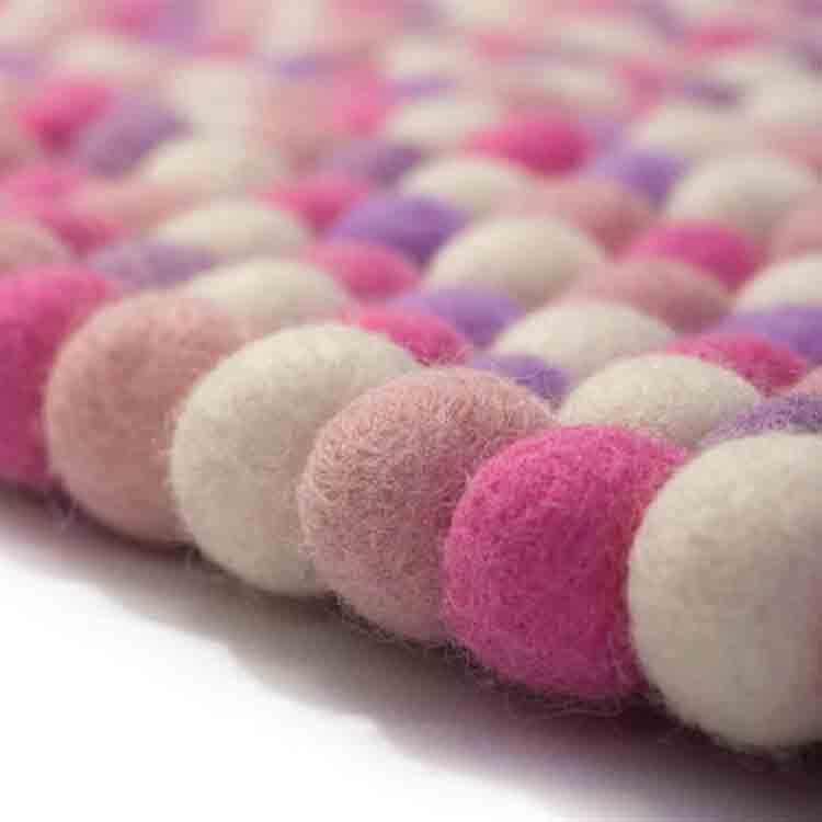 round felt ball rug 1