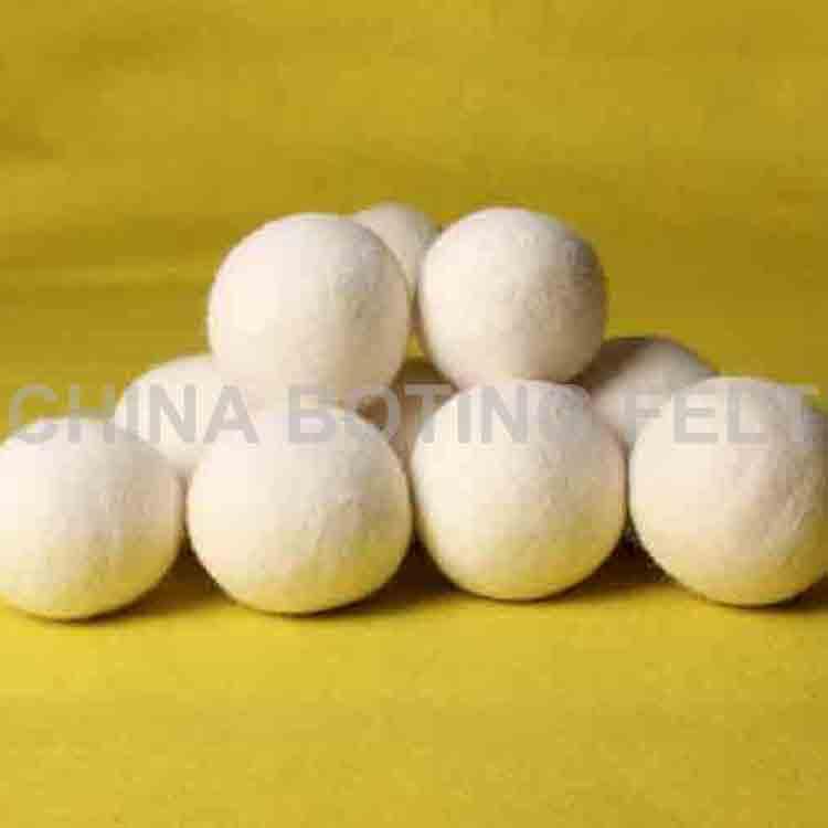 wool laundry balls 2