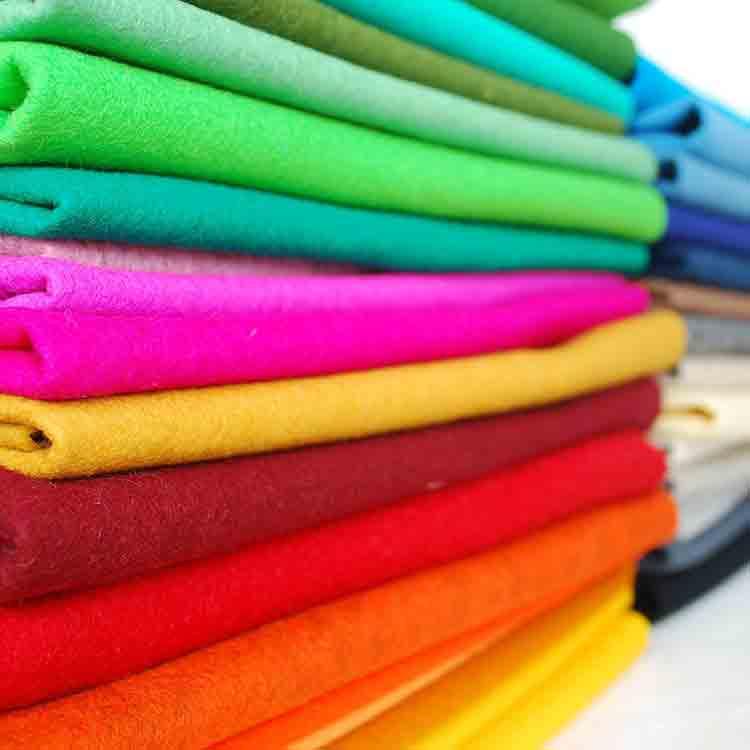 netkaná plsťová textília