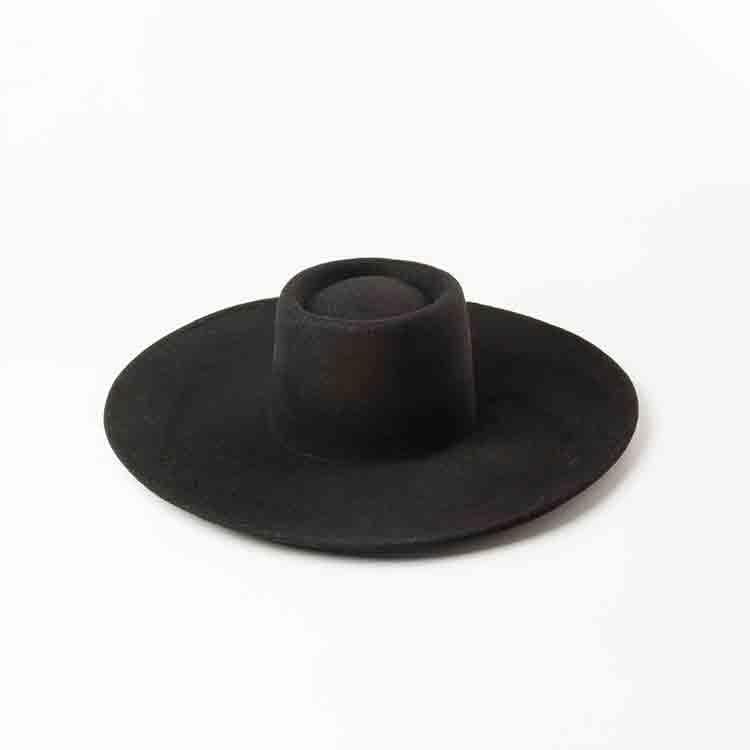 black felt floppy hat 3